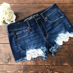 American Eagle Distressed Shorts, Size 6